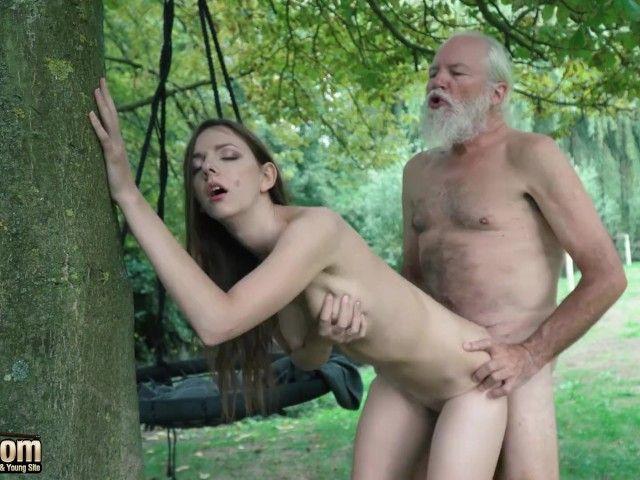 старичок с бородой ебет бабу - 9